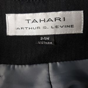 Tahari Jackets & Coats - Tahari Black Business Blazer 24W